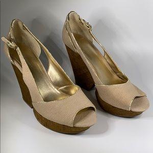 BCBG Generation cork wedge open toe tan gold 10